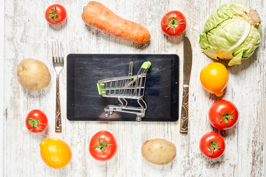 Ordering fresh vegetables in online supermarket