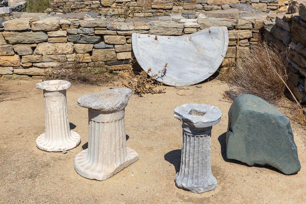 Säulenreste. Die Ruinen der antiken Stadt Delos (Griechenland)