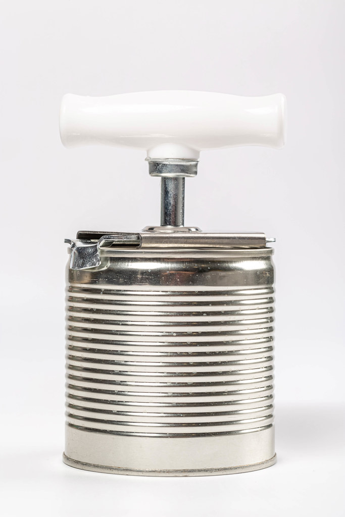 Sealed tin can with conservation opener
