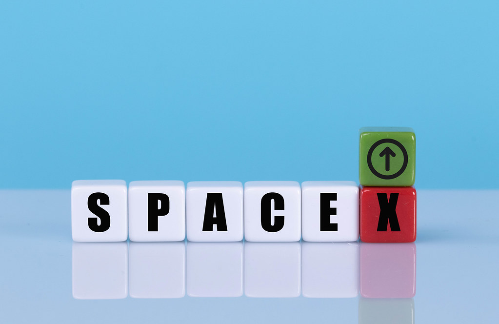 SPACEX text on cubes with up and down arrow