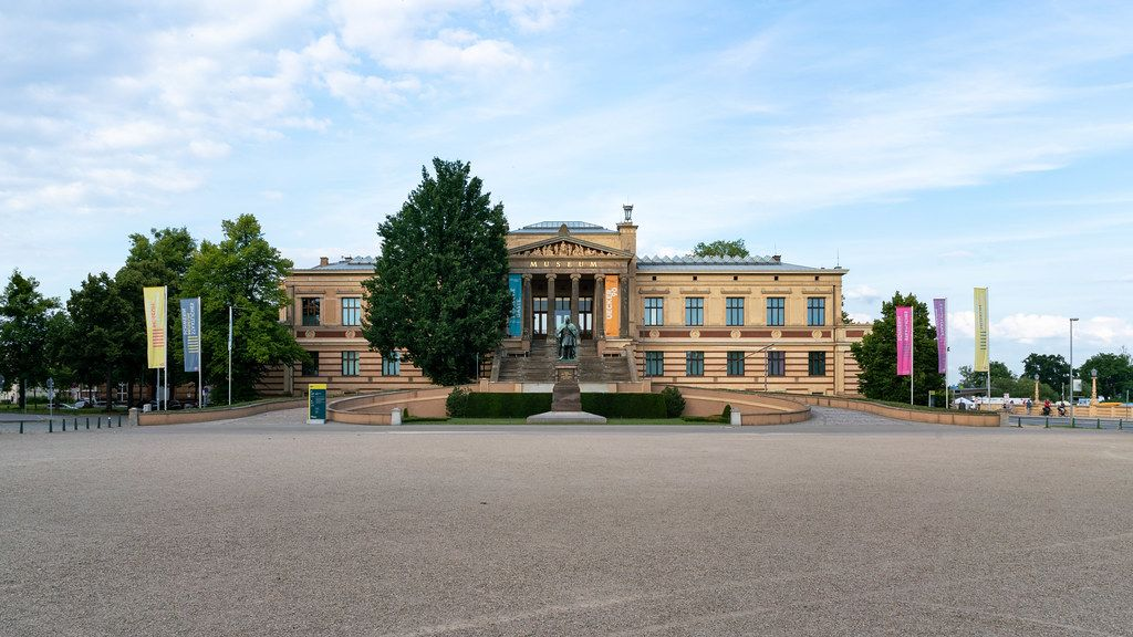 Staatliches Museum Schwerin – art museum in Schwerin with the statue of Paul Friedrich in front of it