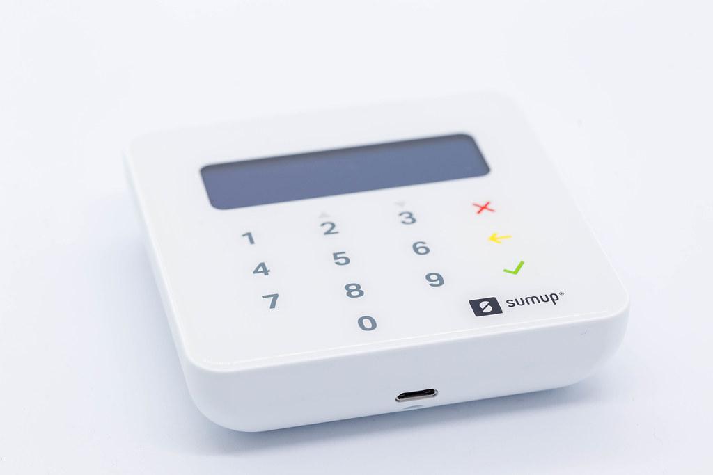 SumUp Air Kartenterminal für die Annahme von kontaktlosen und Kartenzahlungen mit dem Smartphone