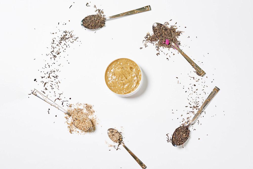 Tea leaves based anti-aging lift cream