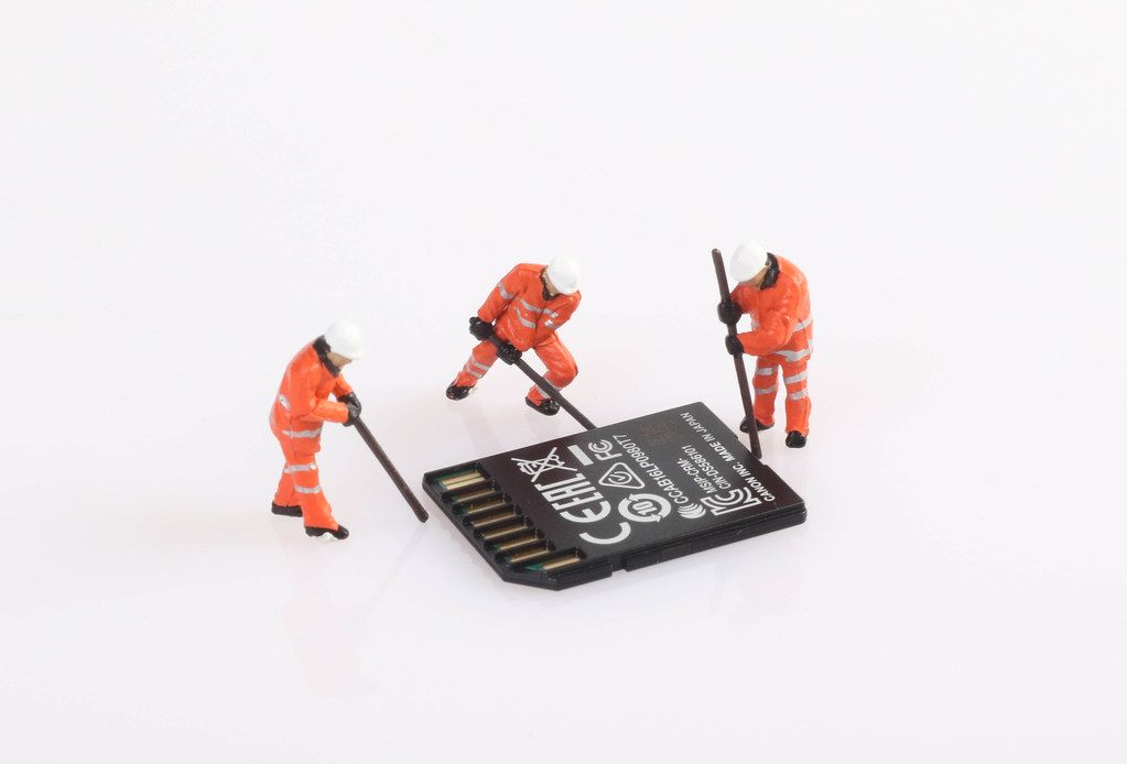 Tiny workers with SD memory card