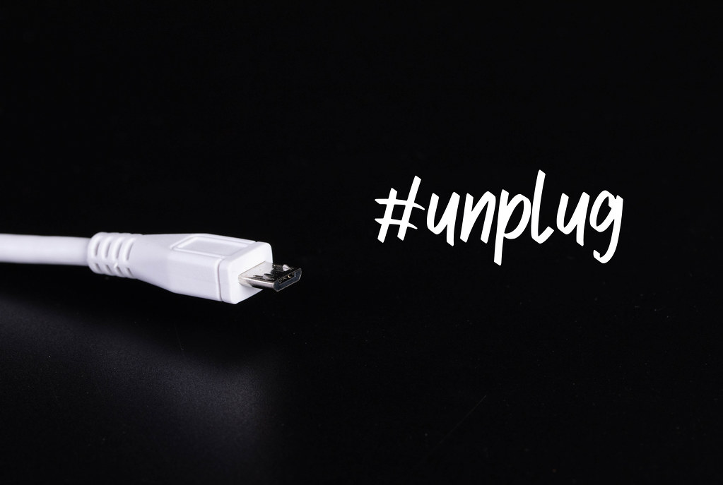 USB Type C cable with #unplug text