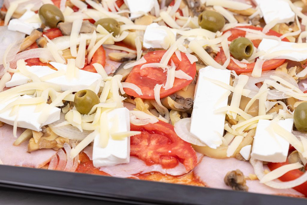 Vegetables and Cheese Pizza with Whole Wheat Flour