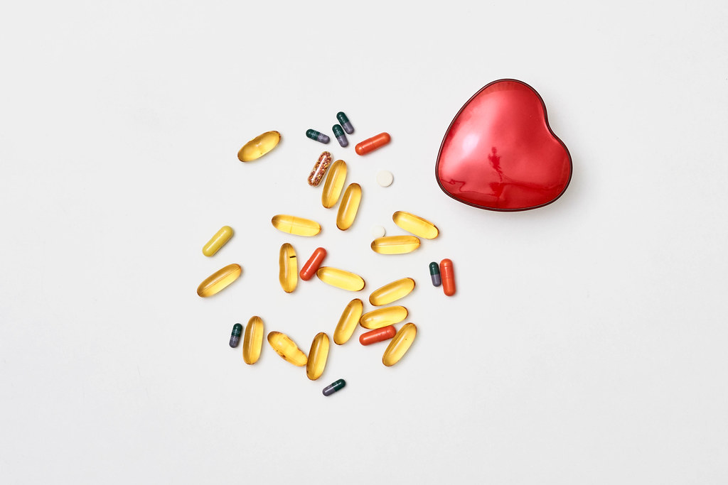 Vitamins and other medical pills for heart health