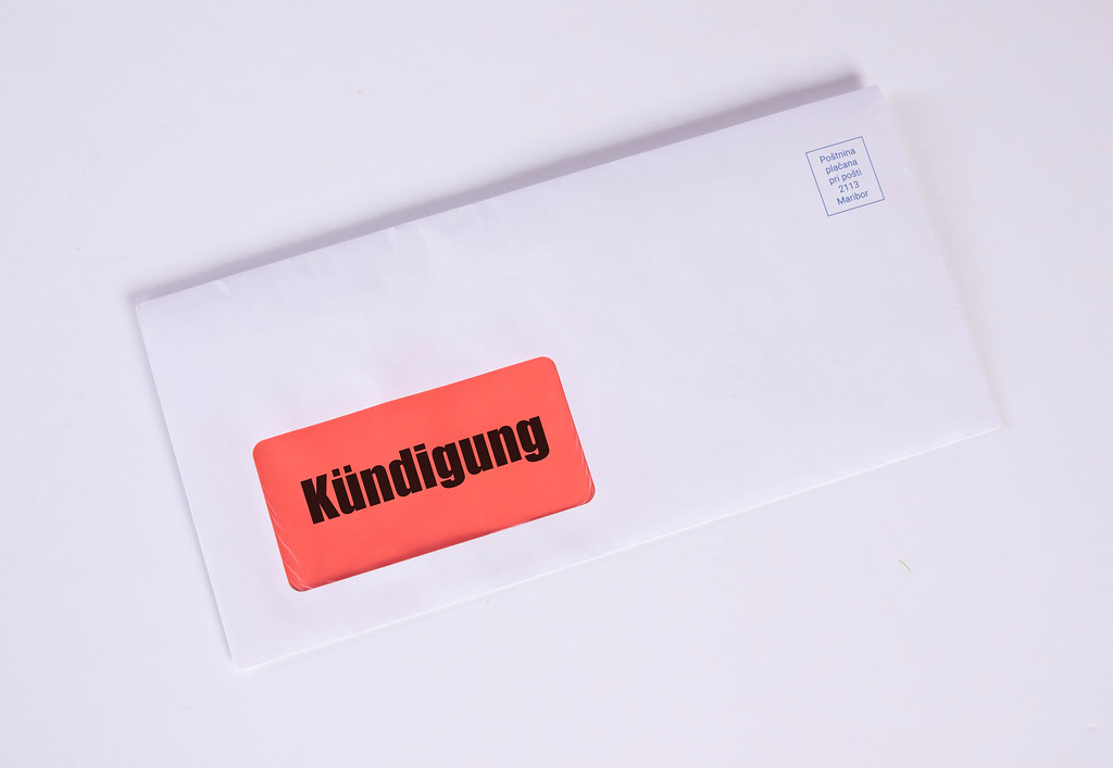White envelope with Kündigung text
