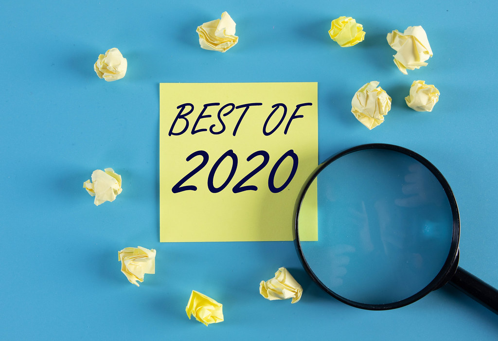 Yellow sticky note and magnifying glass with Best of 2020 text