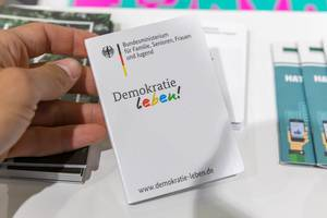 """""""Demokratie leben"""": Kampagne gegen Extremismus vom Bundesministerium"""