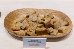 """Roggen-Dinkel-Sauerteigbrot / Rye-Spelt-Sourdough-Bread"""