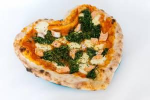 #SupportYourLocal: Pizza mit Lachs und Spinat in Herzform