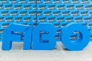 #WeAreFibo - blaues Fibo Logo auf der internationalen Leitmesse für Fitness, Wellness und Gesundheit in Köln
