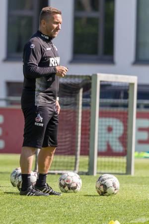 1. FC Köln Chefscout Manfred Schmid beim ersten Training mit André Pawlak