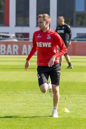 1. FC Köln Fußballspieler Benno Schmitz aus dem Abwehrkader beim ersten Training mit dem neuen Fußballtrainer André Pawlak