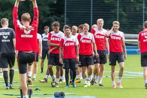 1. FC Köln Nartey, Bittencourt, Sörensen, Horn und weitere Spieler beim Training