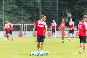 1. FC Köln rear back Pawel Olkowski during training