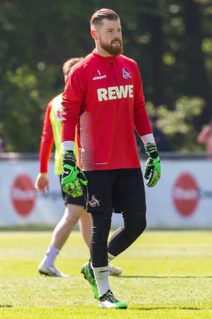 1. FC Köln Torwart Timo Horn beim Training von dem neuen Fußballtrainer André Pawlak