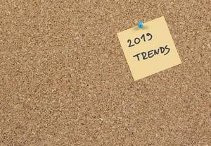 2019 trends written on sticky note