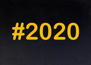 2020 written on chalkboard