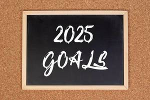 2025 goals on chalkboard