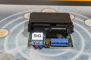 5G Use Cases  Connectivity von Continental, für selbstfahrende Autos, autonomes Fahren und Entertainmentsteuerung während der Fahrt