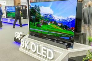 8K-Fernseher Metz Oled mit 88 Zoll AI Bildschirm