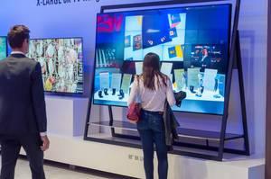 8K Fernseher von Vestel unterschiedlicher Formen und Größen