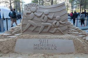 9/11 Memorial Walk Sandskulptur in New York City, USA
