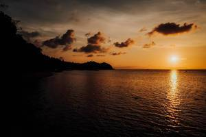 A beautiful sunset view in a local beach resort in Sipalay (Flip 2019)