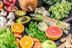 A variety of healthy and delicious foods for vegetarians and weight loss (Flip 2019)