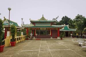 A wide shot of a Chinese shrine in Cebu (Flip 2019)