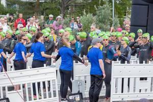 Absperrungen für den Rolling Swim Start beim Ironman 70.3 in Lahti, um mehr Sicherheit für die Wettkampf-Athleten gewährleisten zu können