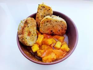 Adygei Käse mit Tomaten