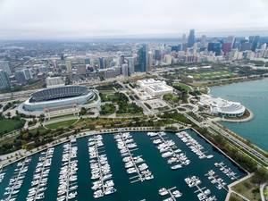 Aerial photography: Marina, Soldier Field stadium, The Field Museum, Shedd Aquarium, Grant Park and Chicago