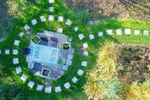 Aerial view of table in the garden (Flip 2019)