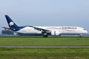 Aeromexico Dreamliner at Amsterdam Airport