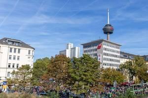 Alles-fürs-Klima-Protestzug der Fridays-for-Future-Bewegung am Hans-Böckler-Platz in Köln