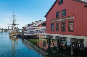 Amerikanisches Schiffsmuseum erinnert an den Widerstand gegen gegen die britische Kolonialpolitik
