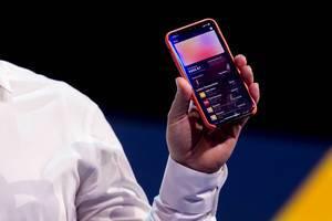 Apple Card Transaktionen auf dem Display von einem iPhone angezeigt