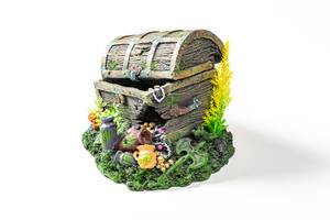Aquarium decor made from open old chest with treasures (Flip 2019)