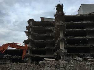 ARAL-Parkhaus in Köln wird abgerissen