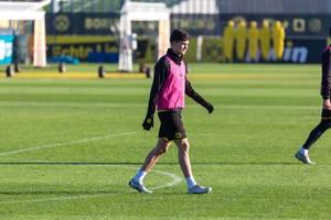 Argentinischer Abwehrspieler Leonardo Balerdi auf dem Trainingsplatz vom Borussia Dortmund