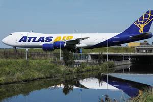 Atlas Air B747, cargo, taxiing on the bridge at Amsterdam Airport