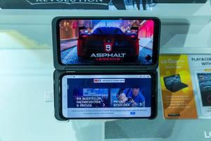 Aufgeklapptes Smartphone: LG G8x ThinQ mit aufklappbarem Display für Dual Screen