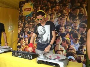 Auflegen mal ausprobiert - Musikfestival Tomorrowland 2014