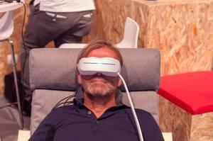 Augen-Massage mit Wasserströmung von Aurai