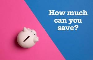 """Auschfrift """"How much can you save?"""" - Wie viel kannst du ansparen? - neben einem rosa Sparschwein, auf blau-pinke Hintergrund"""