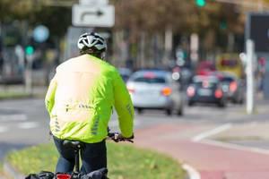 Ausrüstung für sicheres Radfahren in der Stadt