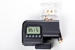 Automatic fish feeder for aquarium (Flip 2019)
